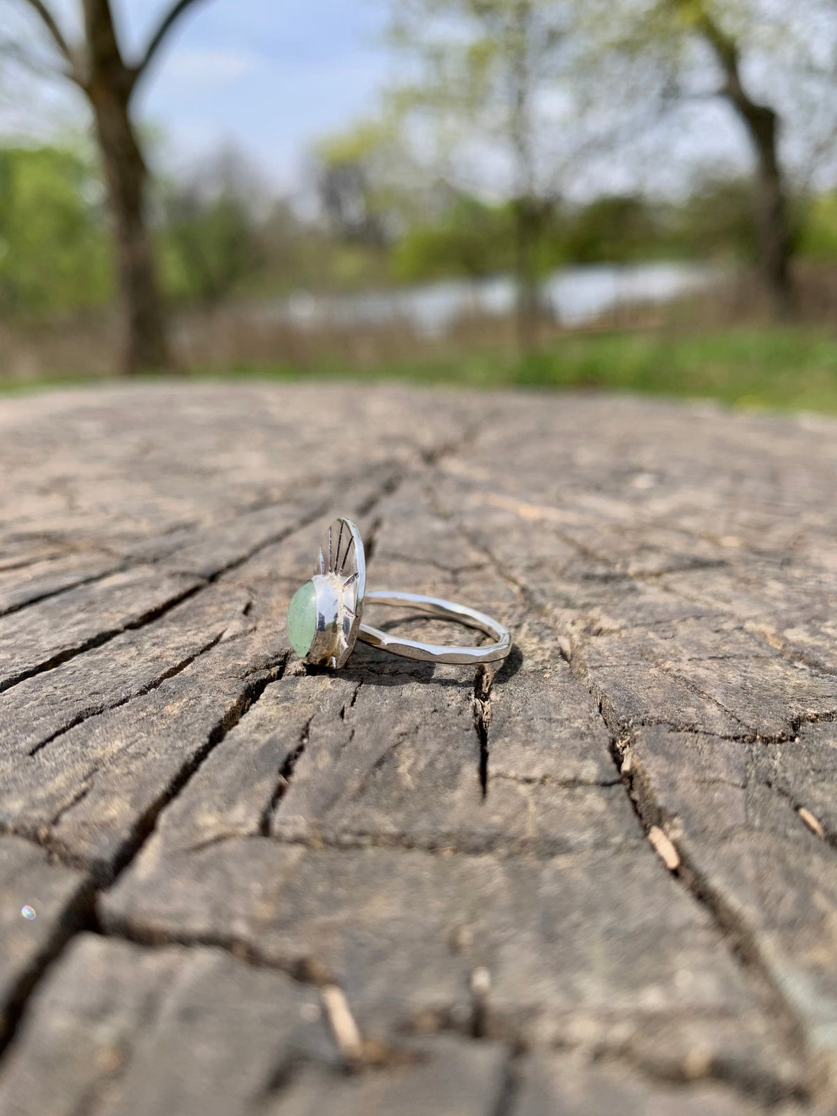 Aquamarine / sterling silver shell ring (size 5)