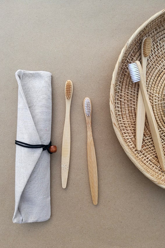 Image of Set of 4 Bamboo Toothbrushes + Bag (Adult)