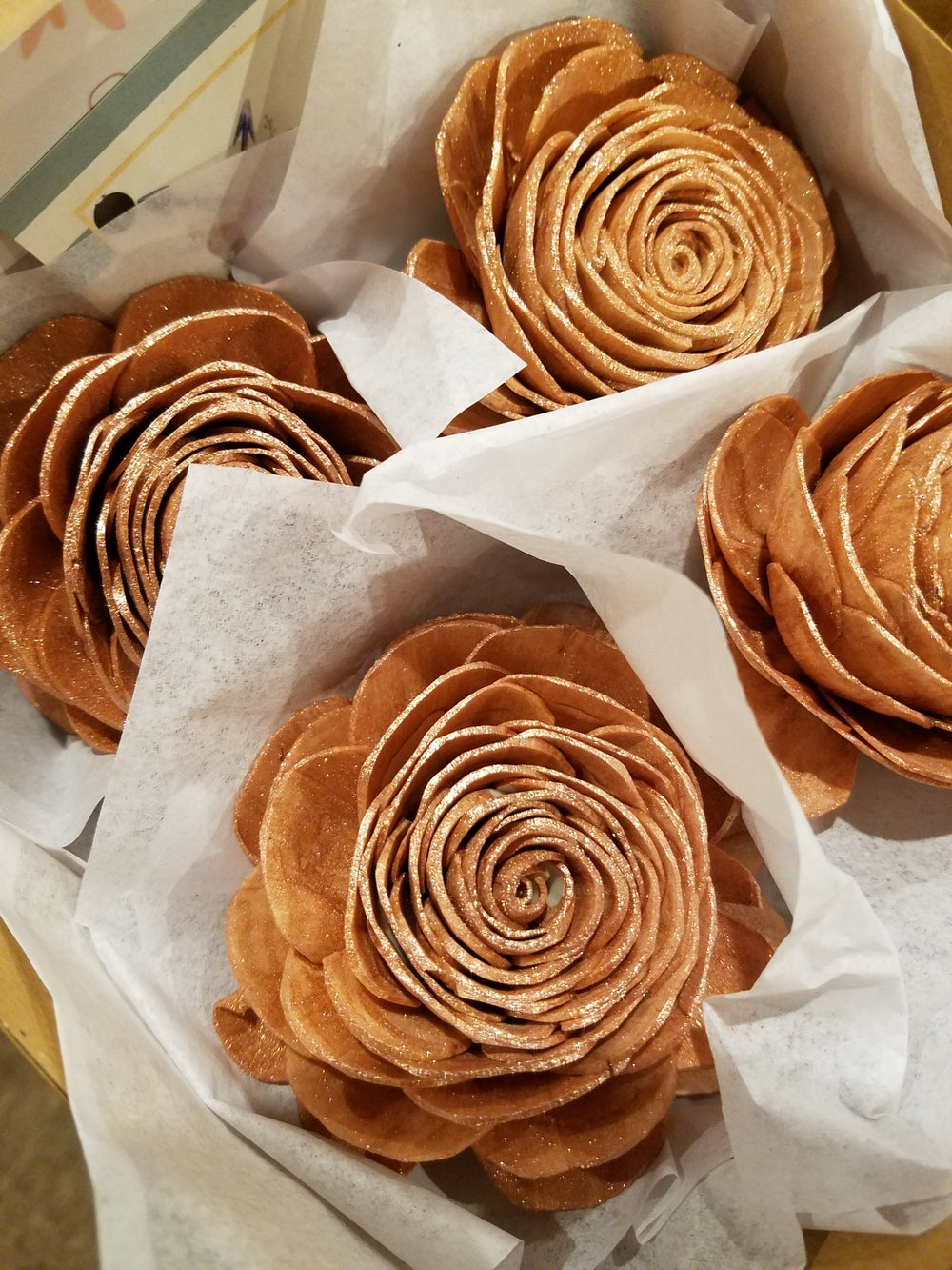 Image of 4 pack of boxed wooden rose magnets