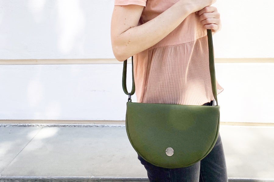 Image of Halfmoon bag olive