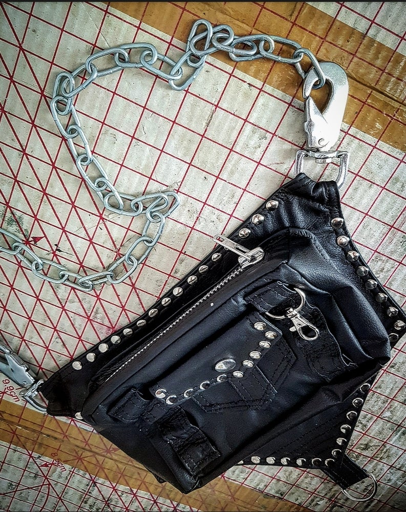 Image of HOLSTER CHAIN BAG
