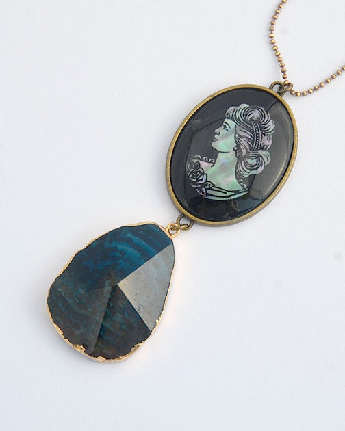 Image of Vintage Mother of pearl cameo with agate gemstone