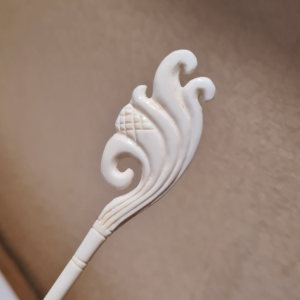 Hand Carved Intricate Bone Hair Stick Noodles Dumpling