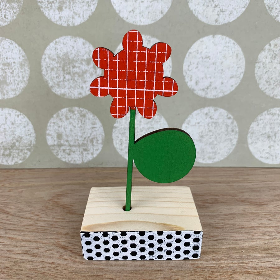 Image of Screen Printed Wooden Flower Brooch with Stand - Red with Green Leaf