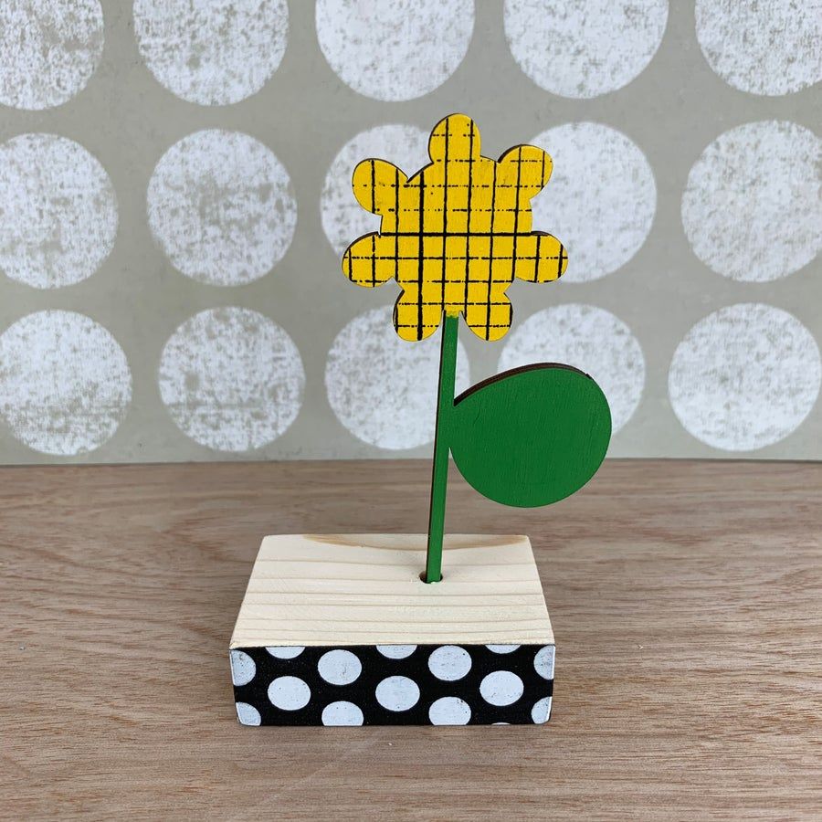 Image of Screen Printed Wooden Flower Brooch with Stand - Yellow with Green Leaf