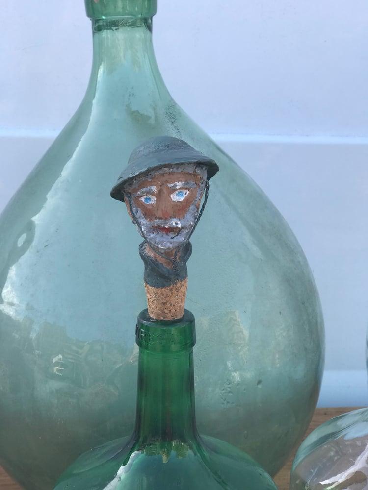 Image of Anciens Bouchons de bouteilles sculptés