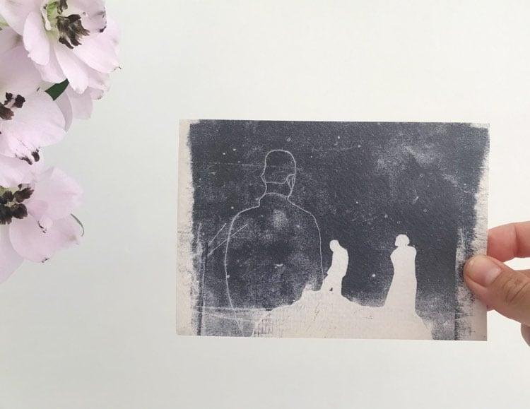"""Image of postkaart """" niet samen, maar toch zo dichtbij"""""""