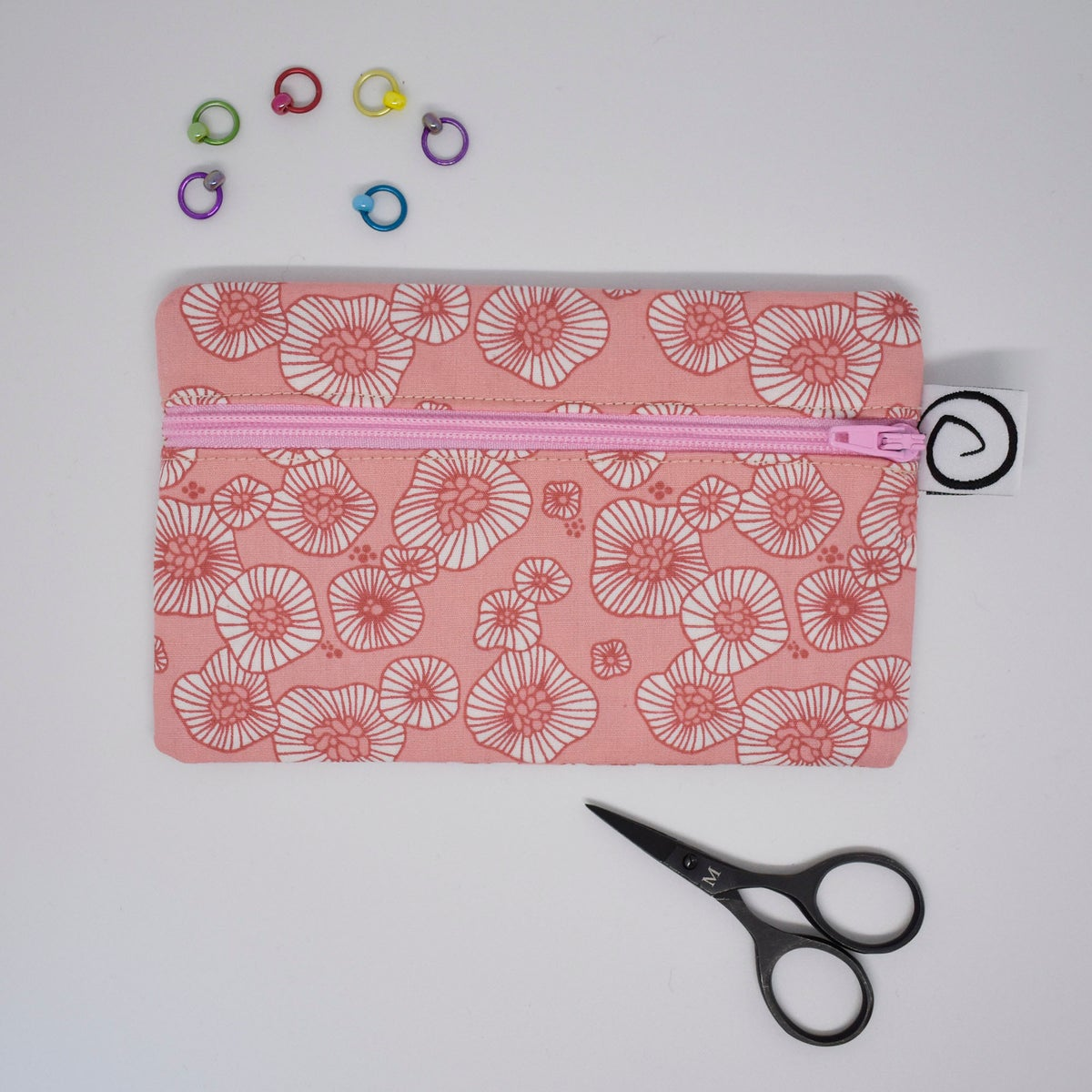 Flat notions pouch