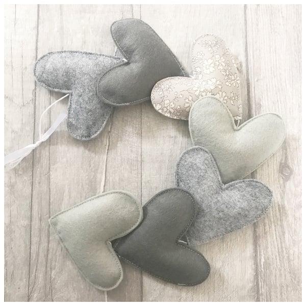 Image of Grey Heart Garland