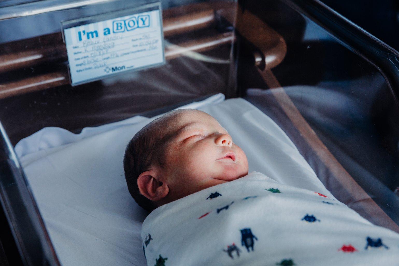 Image of Fresh Newborn (hospital session)