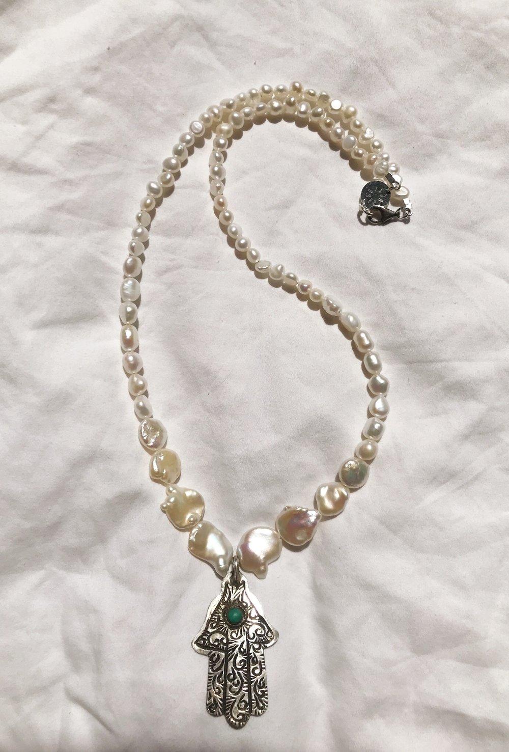 Image of la khamsa aux perles