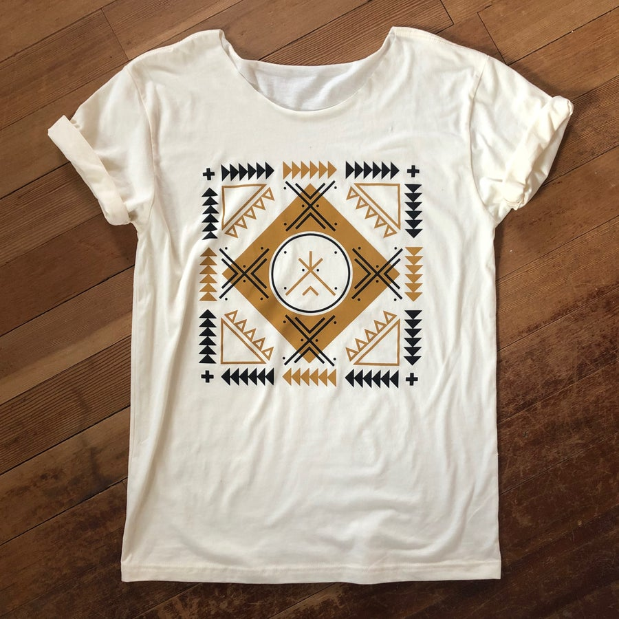 Image of Arrows Remix Swoop Tee