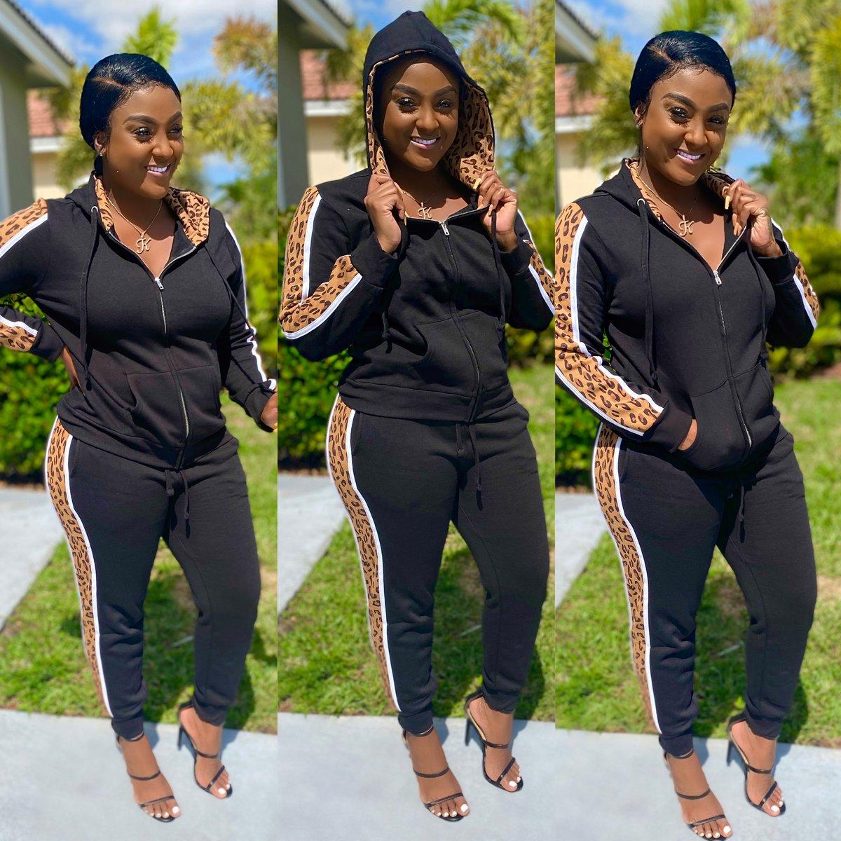 Image of Lana black