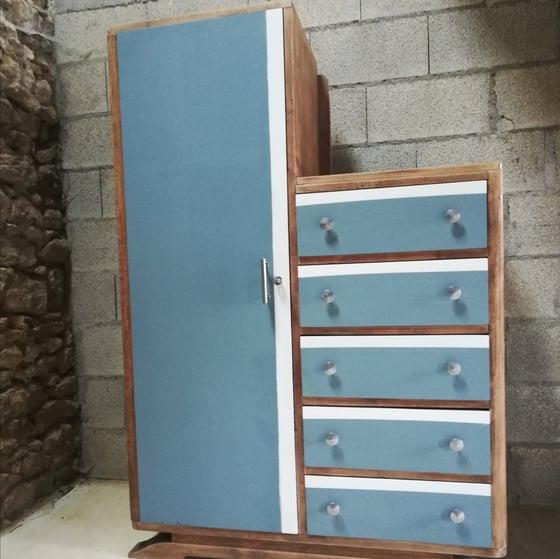 Image of Grande armoire commode  asymétrique