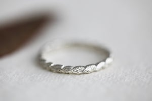 Image of 9ct white gold, 2mm Laurel Leaf ring