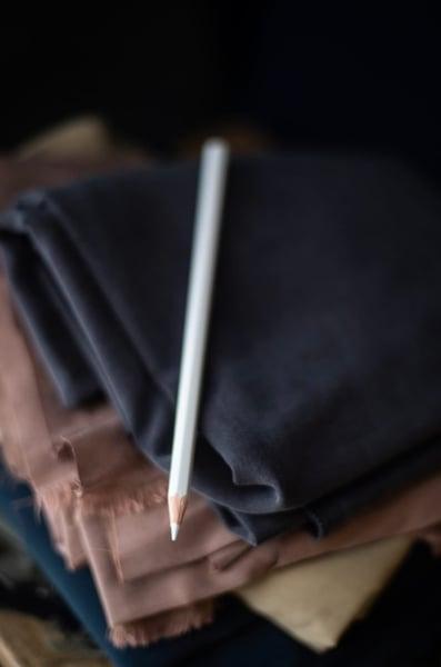 Image of Lápiz marcador de tela blanco de Merchant & Mills
