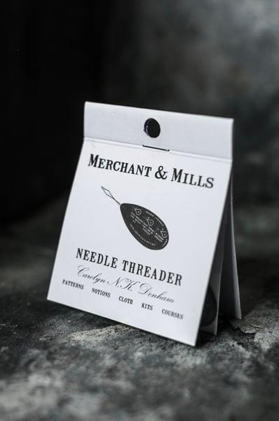 Image of Enhebrador de Merchant & Mills