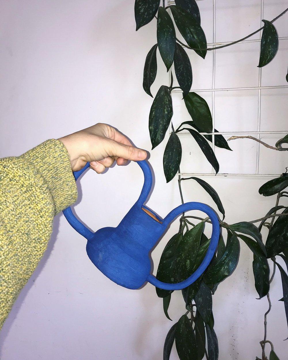 Image of Blue Vase w. handles 01