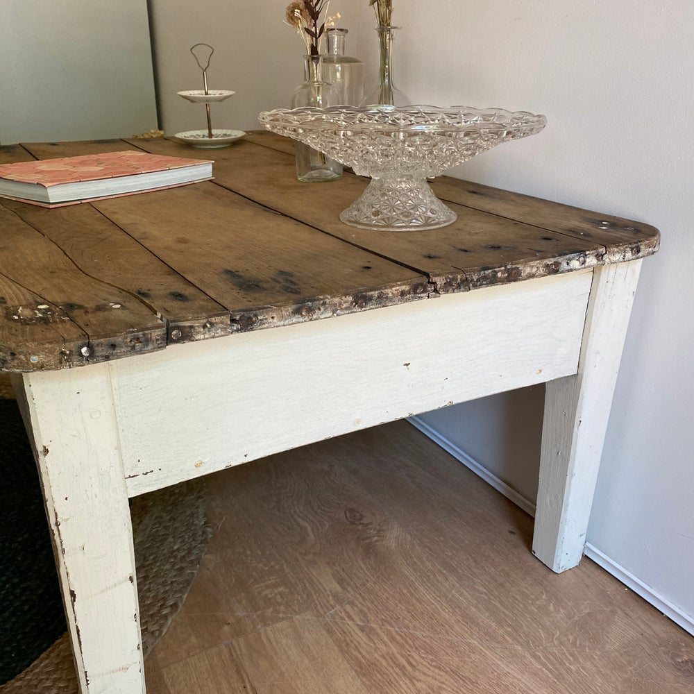 "Image of Table basse ""de ferme"""