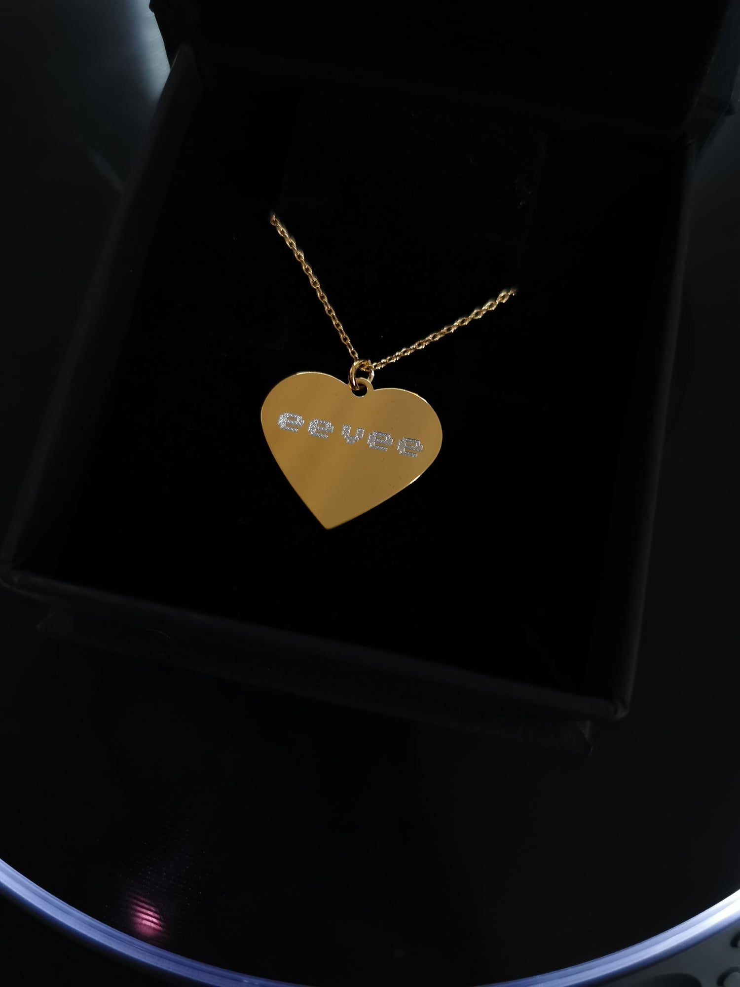 Image of 8 bit eevee chain, 24k gold