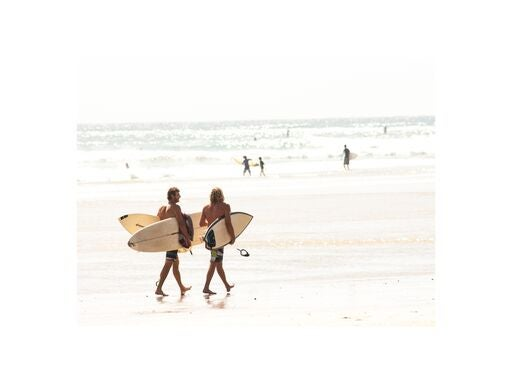 Image of PHOTO - SURFERS