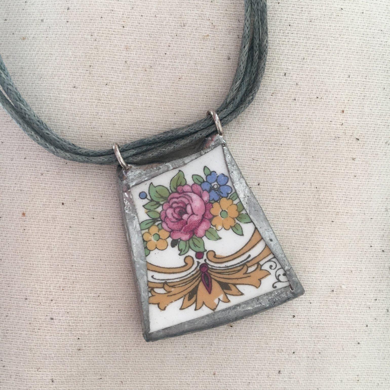 Image of Rose Bouquet Ceramic Necklace