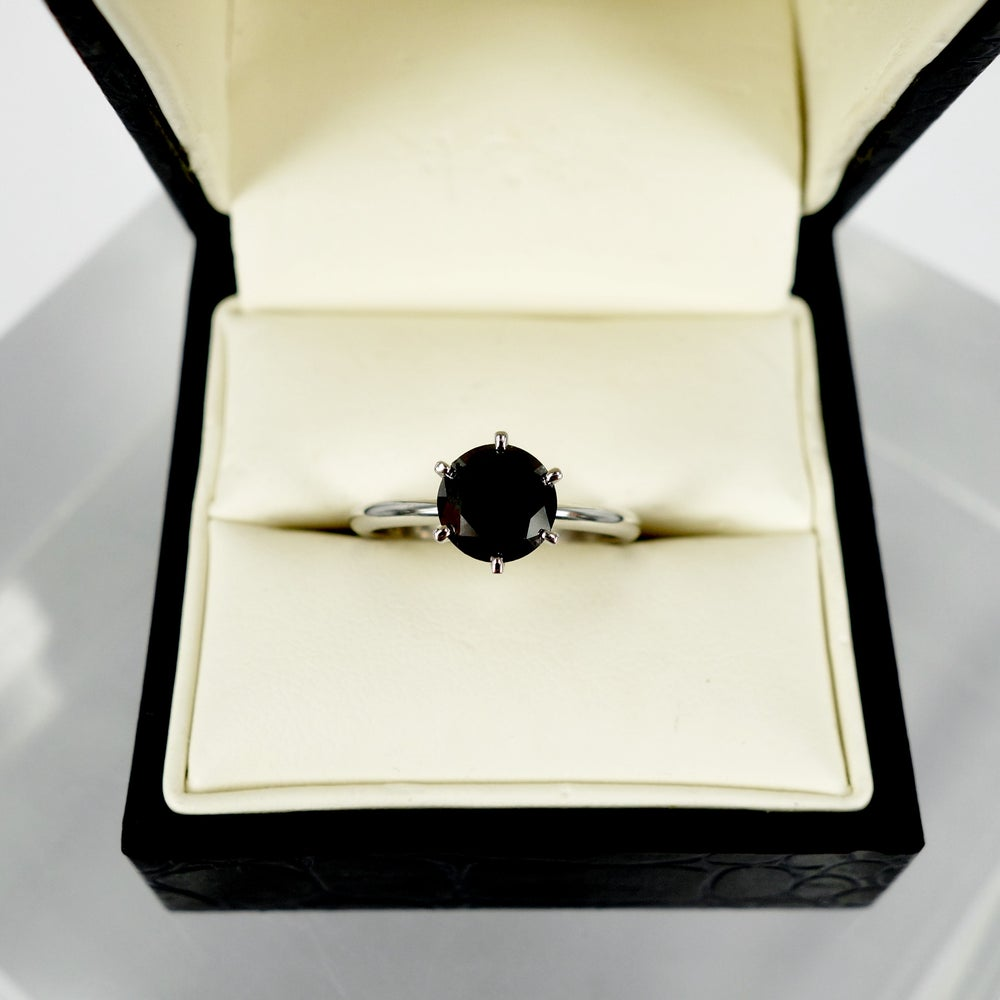 Image of PJ5736 18ct Black Diamond solitiare