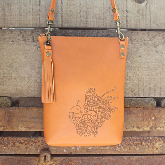 Image of Leather Dance Bag - Peacock Tan
