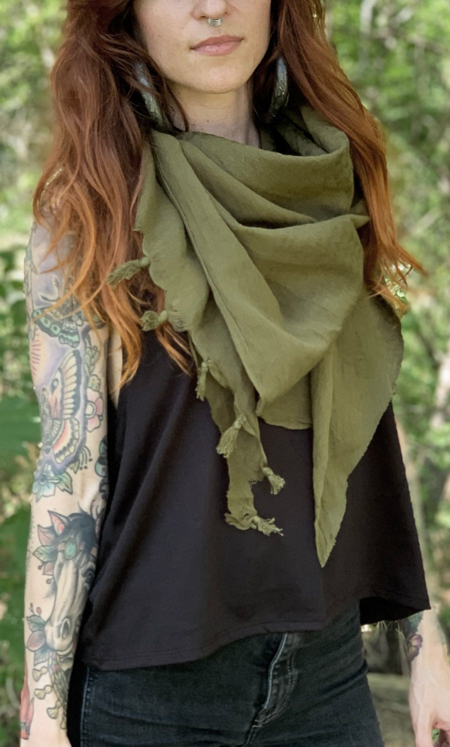 Image of BASIC OLIVE GREEN SCARF