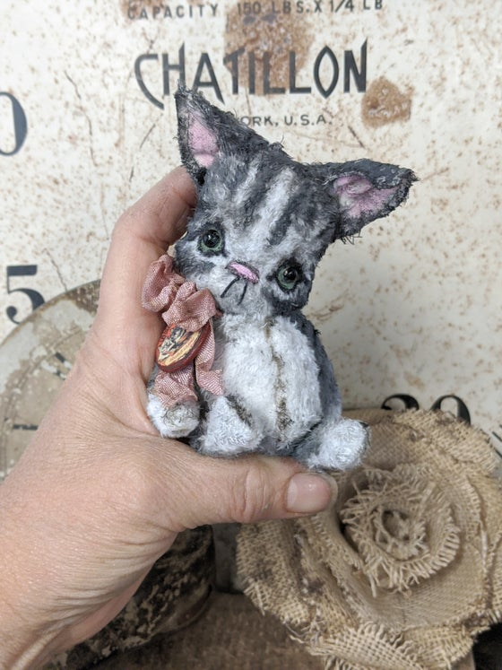 "Image of Teenie-Weenie 4"" gray Tabby Kitty cat by whendis bears"