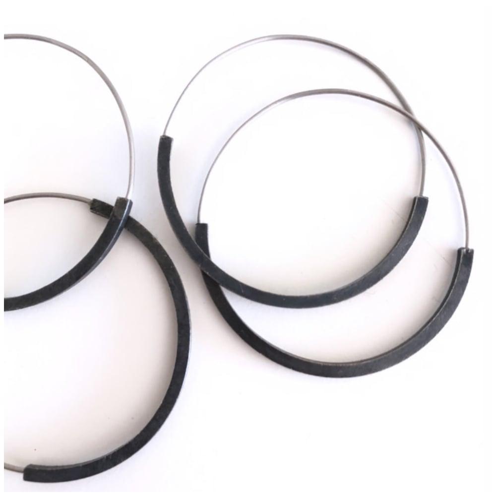 Image of Arracades reflex plata oxidada. Pendientes reflejo plata oxidada.
