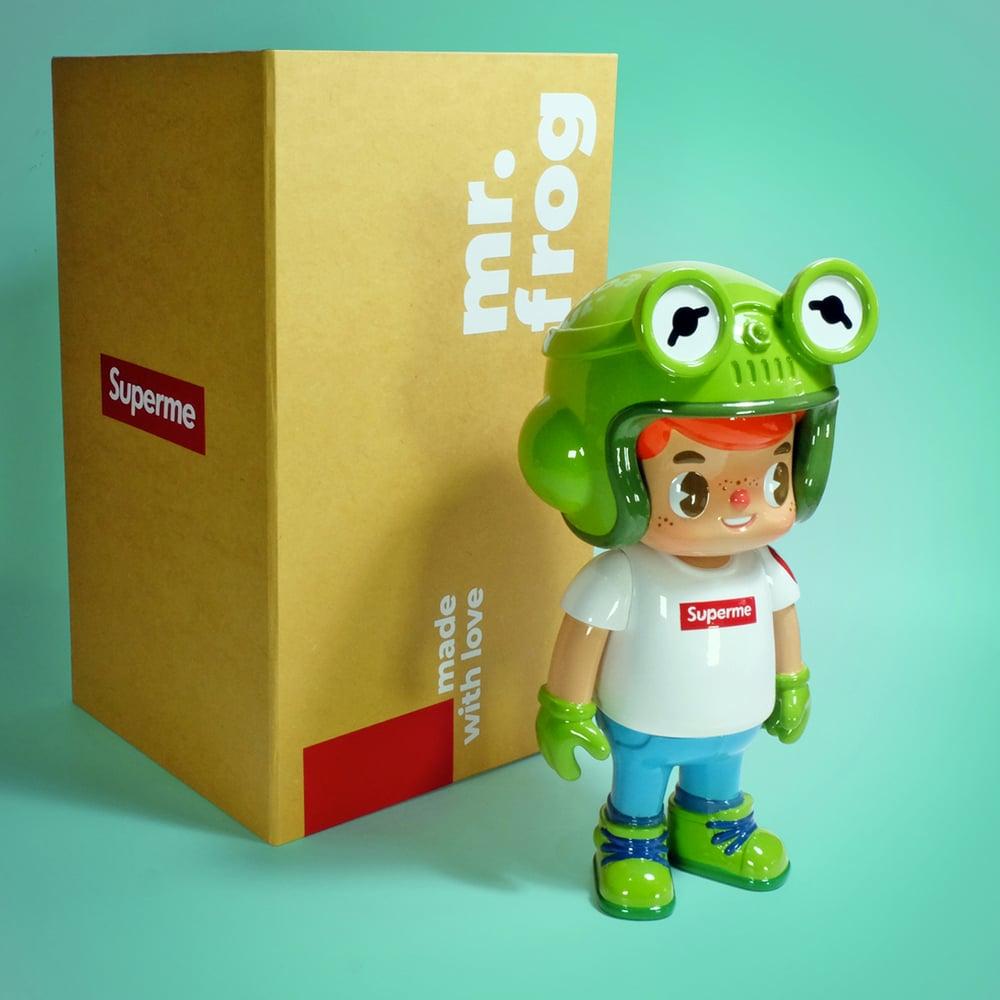 Image of Owangeboy statue - Mr. Frog colorway