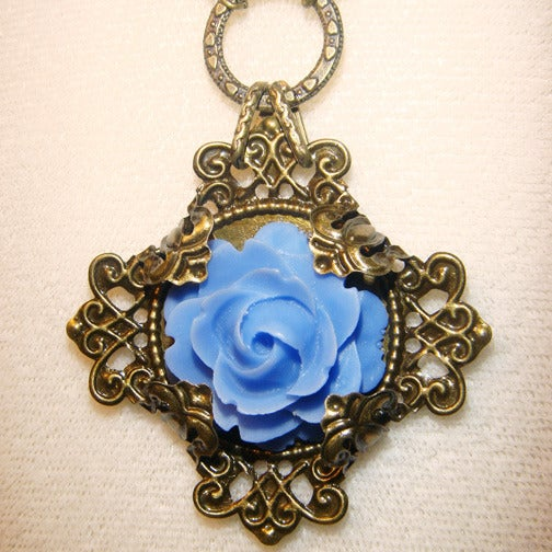 Image of Periwinkle Rose Necklace