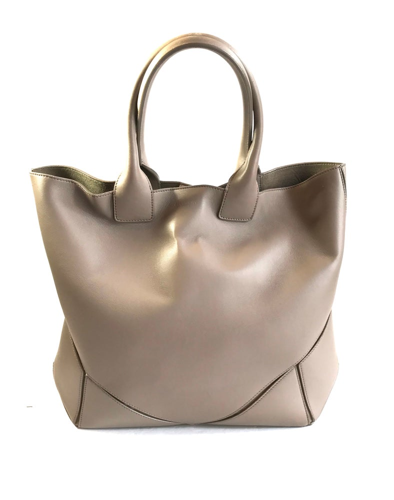Image of Givenchy Easy Tote 504-10