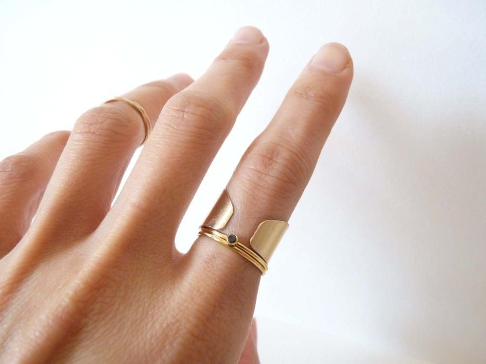 Image of Dot ring