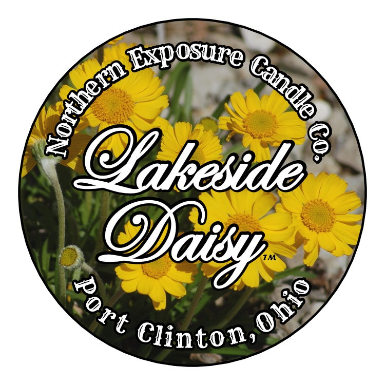 """Image of """"Lakeside Daisy""""- Soy blend Candle"""