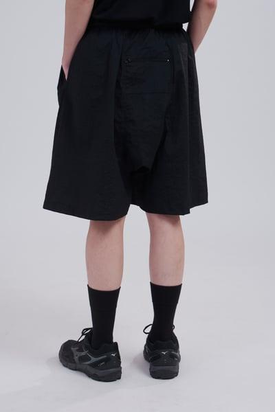Image of TRAN - 後口袋氣球短褲 (黑)