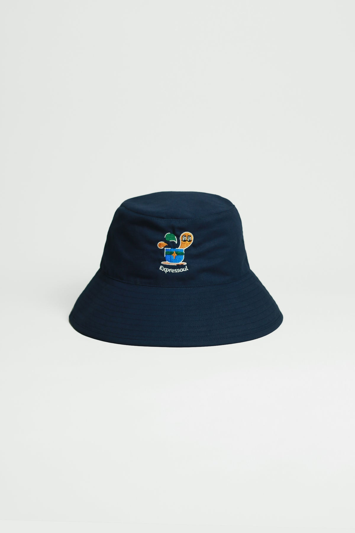 "Graphic Embroidery Tee - ""Expressoul"" Bucket Hat"