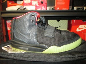 "Image of Air Yeezy II (2) ""Solar Red/Blk' *PRE-OWNED*"