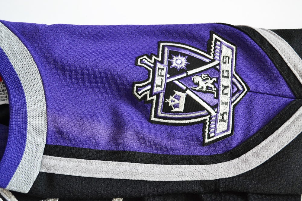 Image of Vintage 2000's Los Angeles Kings CCM Hockey Jersey Sz.L/XL (Youth)