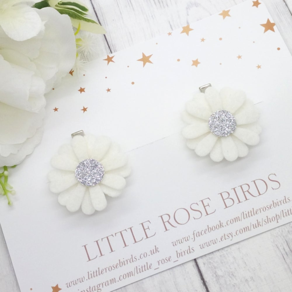 Image of White/Silver Daisy Pigtail Clips