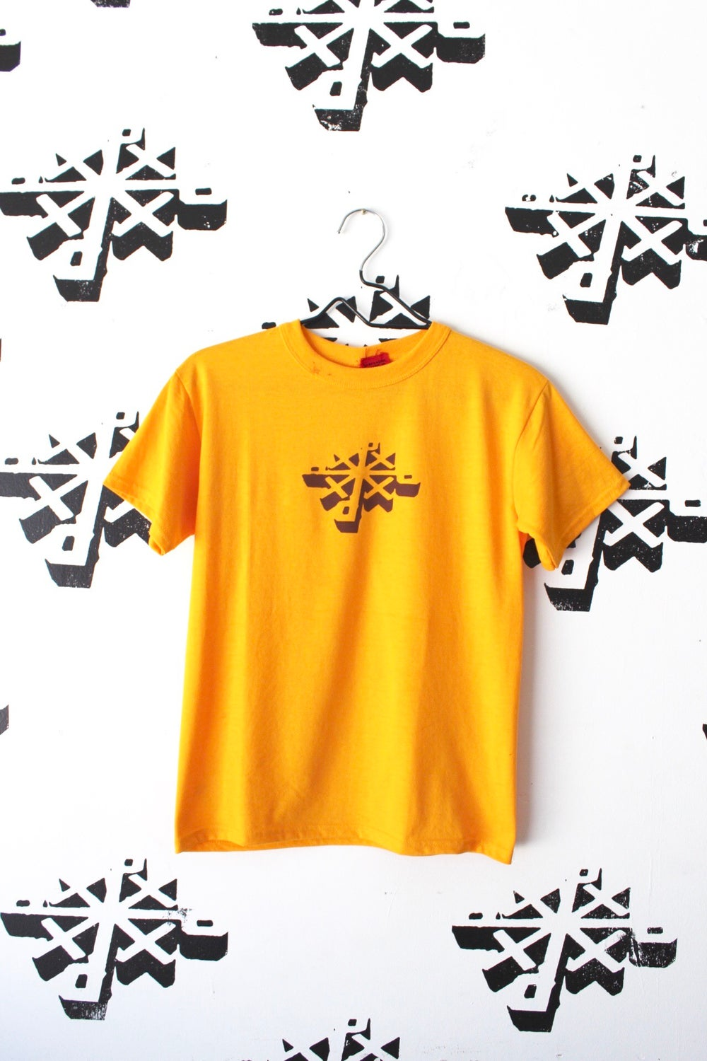 post up tee in gold