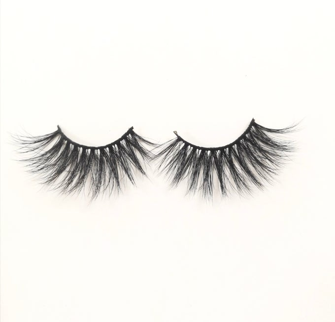 "Image of ""Flyer"" Lashes   (preorder)"