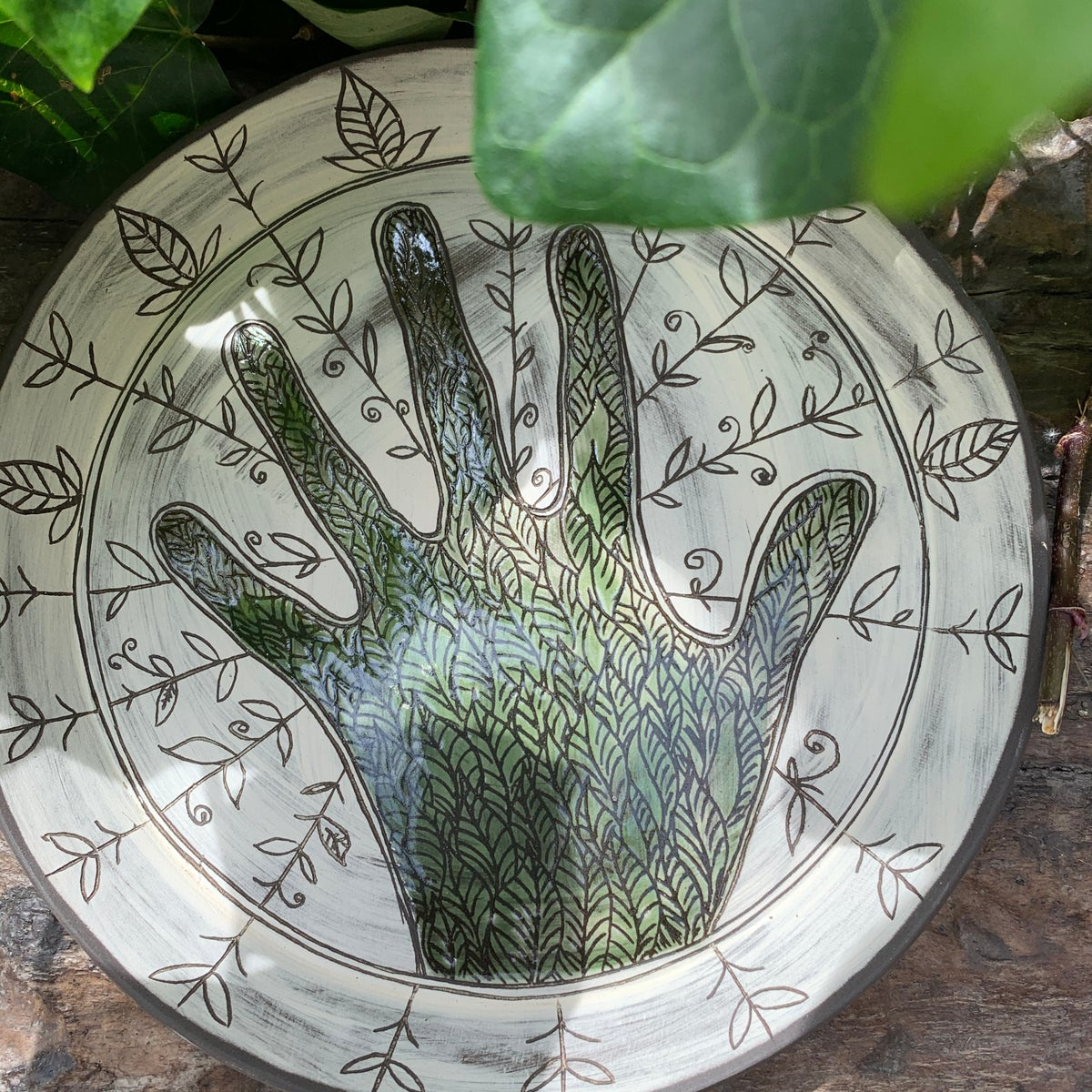 Green fingers plate, No2. 21.5cm
