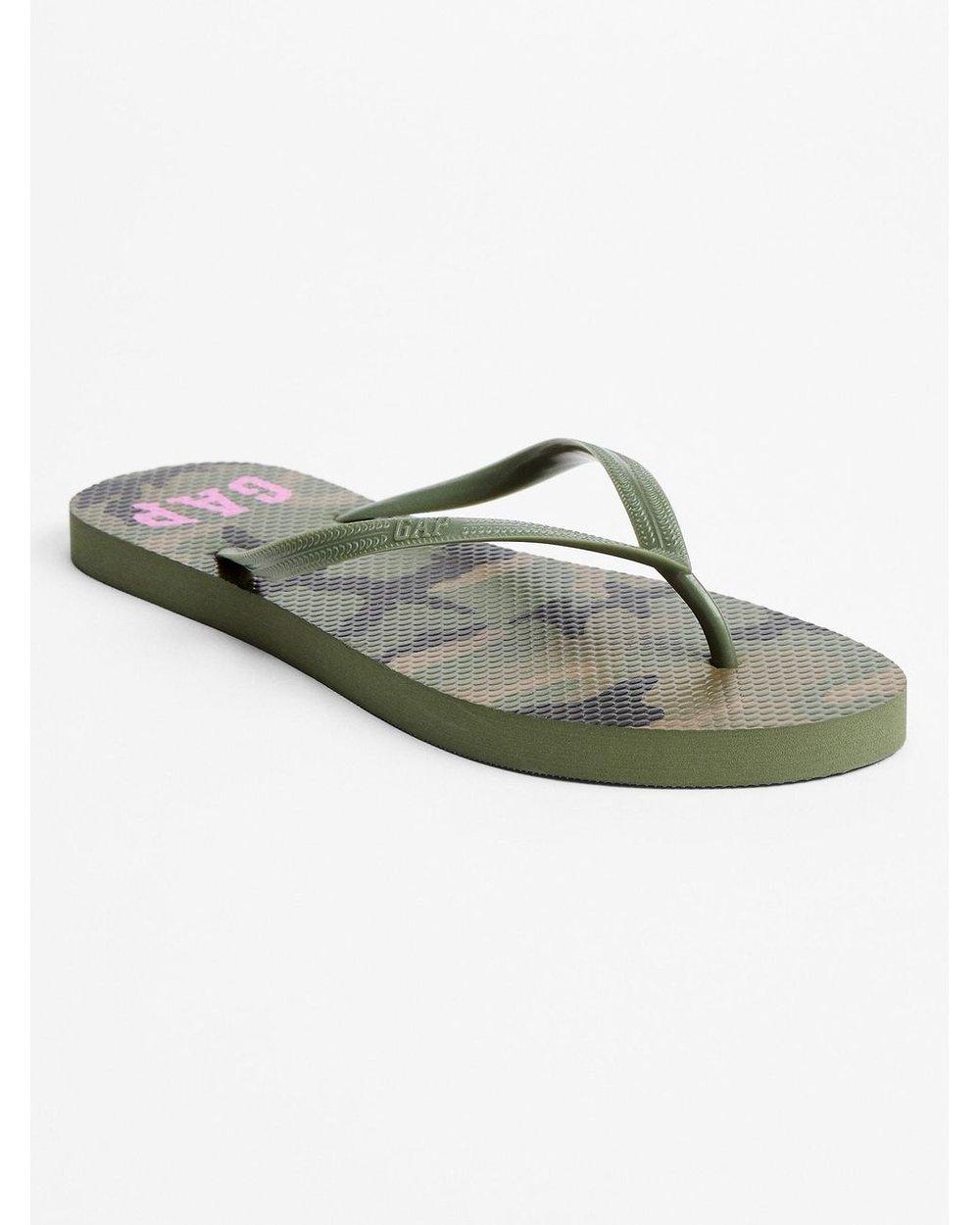 GAP Print Flip Flops- Camo