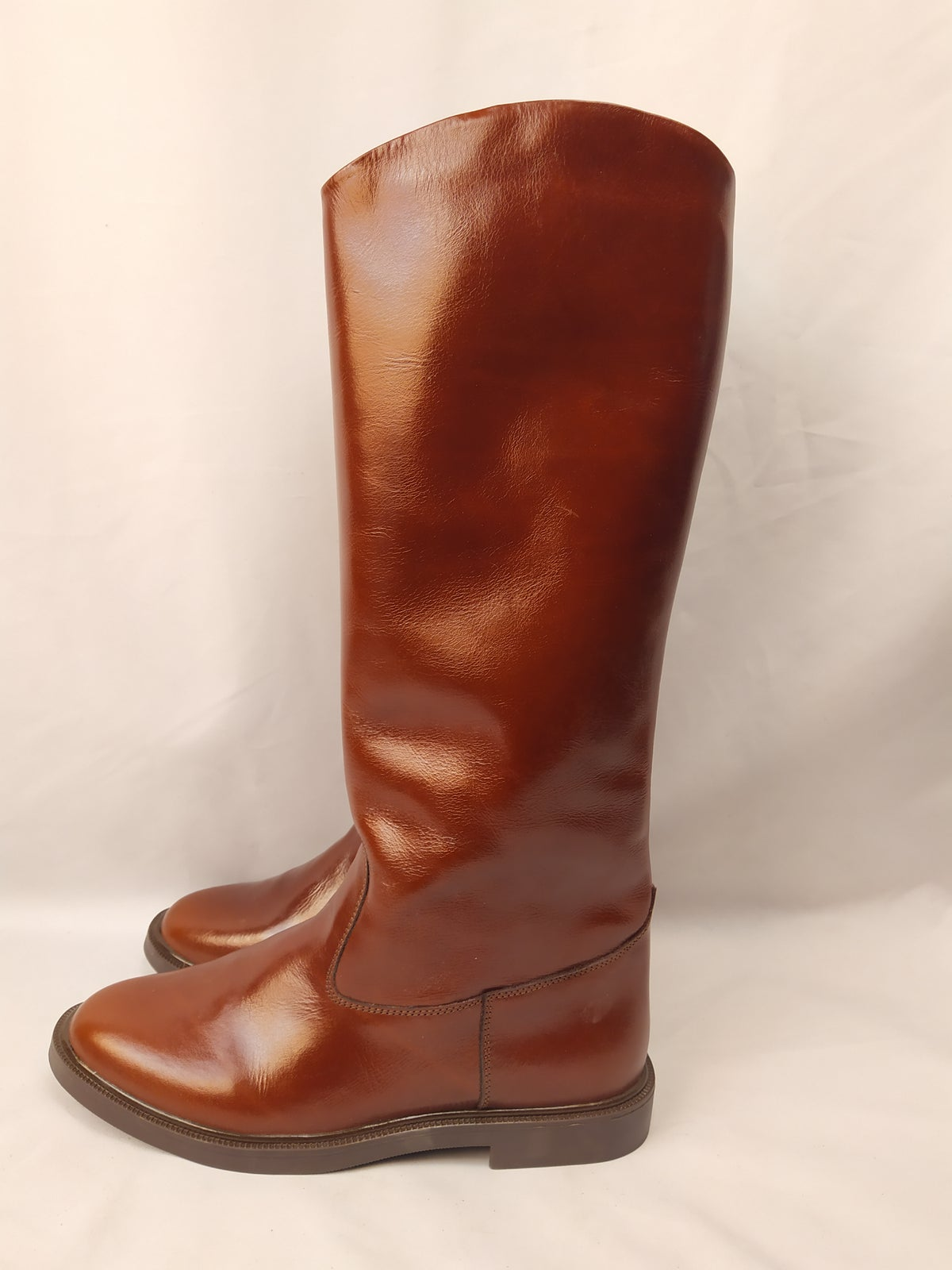 Image of BROWN OFFICER RIDING BOOTS (with back hided zippers)