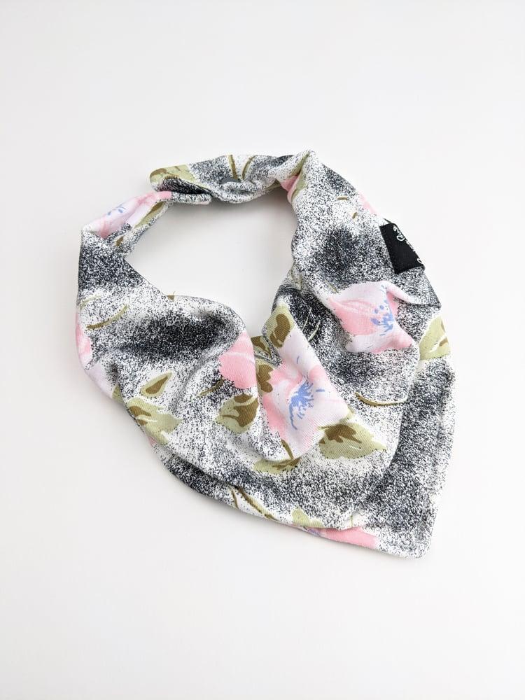 Bibdans * Smokey Floral