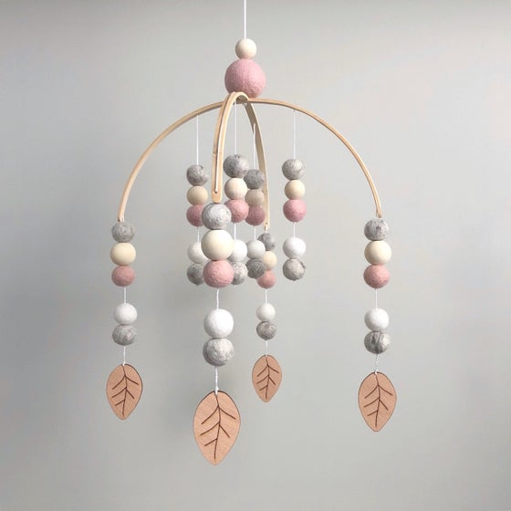 Image of Felt ball mobile - wooden leaves - pink, grey & white