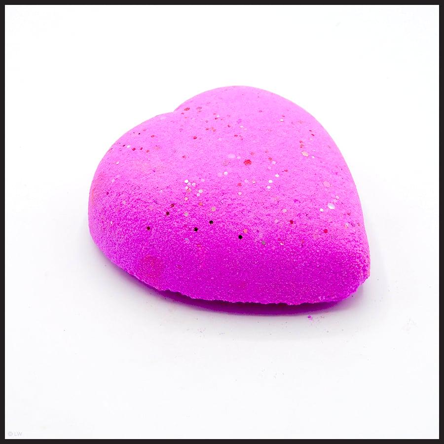Glitter Heart Bomb
