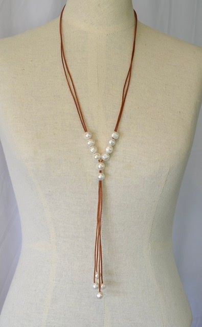 Simple Leather & Pearl Necklace